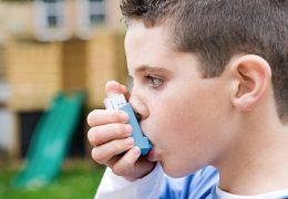 photo-enfant-asthme-asthmatique-ventoline